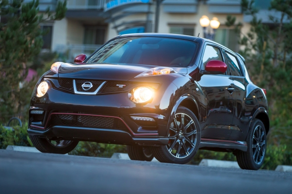 2014-nissan-Juke-nismo-rs-front-three-quarters