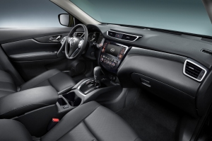 2014-Nissan-Rogue-interior